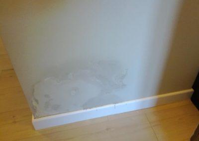 umidita-risalita-muro-soggiorno9